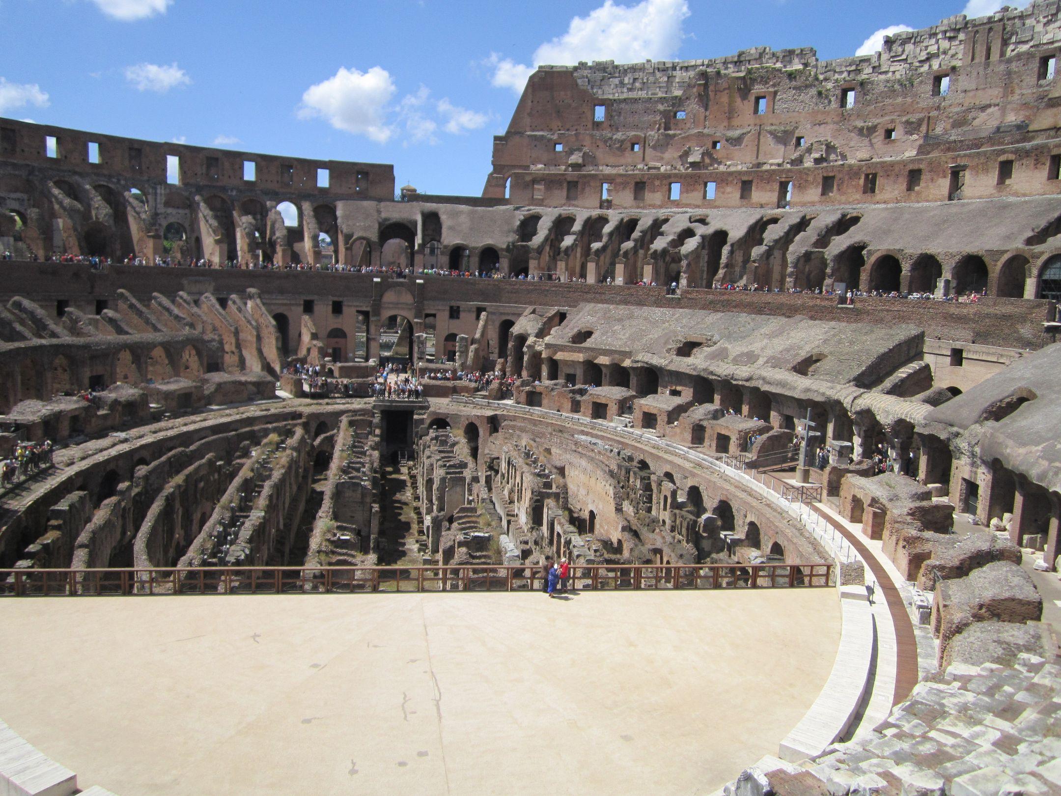 Rome rione celio amphith atre flavien int rieur for Interieur u arena