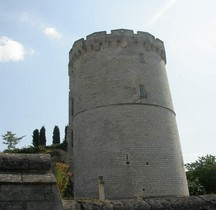 Maine et Loire Trèves Chateau Donjon