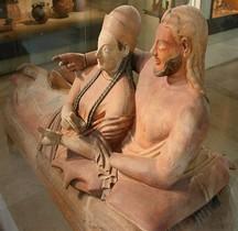 6 Statuaire Etrurie Sarcophage des Epoux Paris Louvre