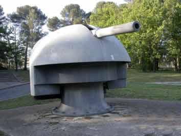Tourelle 10cm Panzerturm in Schirmlaffette Draguig