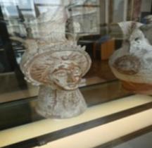 Etrurie Céramique Oenochoe Tete Féminine Louvre