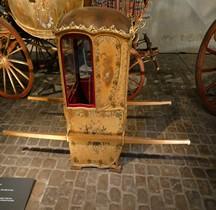 1700 Chaise Porteur du Dauphin Versailles Grandes Ecuries Musée des Carrosses