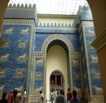 Babylone Porte d'Ishtar Berlin Pergamon Museum