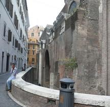 Rome Rione Pigna Basilique de Neptune