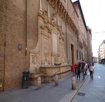 Bologne Palazzo d'Accursio Fontana Vecchia