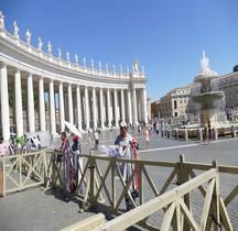 Vatican Basilica San Pietro Colonnades du Bernin