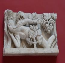 Statuaire Médiévale La tentation d'Eve Cathédrale St Lazare Autun Copie Paris