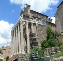 Rome Rione Campitelli Forum Romain Temple d'Antonin et Faustine