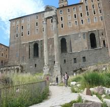 Rome Rione Campitelli Forum Romain Temple du Divin Vespasien
