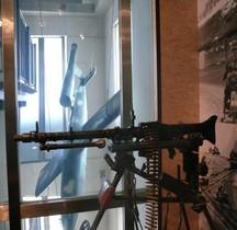 Maschinengewehr 34  Lafette Fliegerdreibein Tripod Paris