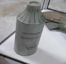 2eGM Flasche Motoren-Oel der Wehrmacht Saumur