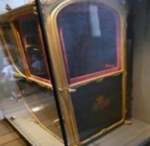 1770 Chaise Porteur Maison du Roi Versailles Grandes Ecuries Musée des Carrosses