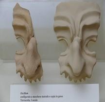 Vie Quotidienne Oscillum Terre Cuite Masque Théatre Rimini