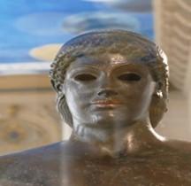 Statuaire Grèce Apollon Piombino Paris  Louvre