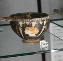 Grande Grèce Apulie Céramique Skyphos Bologne