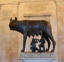 Statuaire Faune Louve Rome Capitole