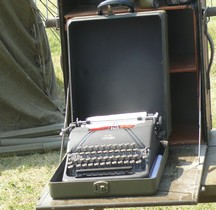 Typewriter portable with carrying case Corona
