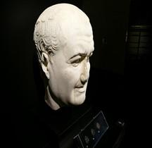 Statuaire 3 Empereurs 1 Vespasien Naples  Nimes 2018