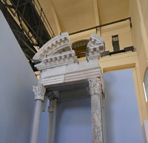 Rome Rione San Angelo Temple Apollon ou  Aedes ou Templum Apollinis in Circo  cella Decoration Interieure Rome Centrale