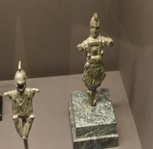 Pouvoir Tropaeum Trophées Statuettes Bronze Arles  2019