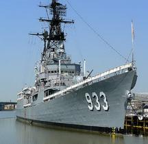 Destroyer USS DD 933 Barry