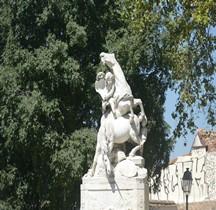 Hérault Montpellier Place Canourgue  Fontaine des Licornes