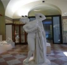 Statuaire Panthéon Venere Callipigia Copie Naples