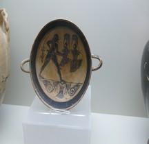 Grèce Laconie Céramique Kilix  Hoplite Ferrare