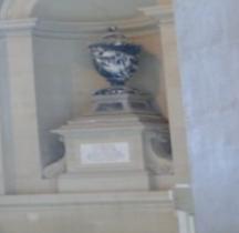 Paris Invalides Urne de la Tour d 'Auvergne