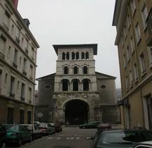 Isère Vienne Eglise St Pierre Exterieur