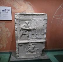 7 Rome Stèle Funéraire Stele Foulons Pont du gard