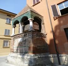 Bologna Basilica San Domenico Arca Sepolcrale de Foscarari Egidio