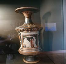 Grande Grece Apulie Loutrophoros Peintre de Capodimonte Paris Musée du Louvre