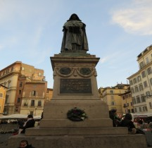 Rome Rione Regola Campo de' Fiori  Statue Giordano Bruno