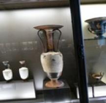 Grèce Céramique  Loutrophoros Louvre