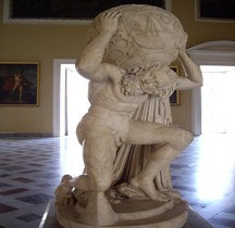 Statuaire Atlas Farnèse Naples