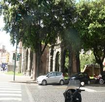 Rome Rione Campitelli  Porta Carmentalis Capitole Mur servien