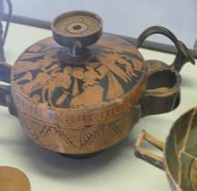 Etrurie Céramique Lekanis au Gynécée Ferrare