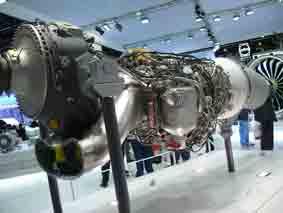 Airbus A 400M Grizzly  Moteur TP 400 Le Bourget  2