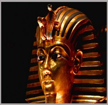 Egypte Trésor de Toutânkhamon Masque en Or