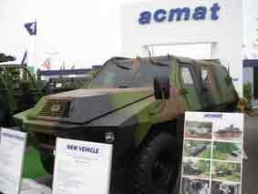 ACMAT TCM 420 BL 6 Eurosatory 2004