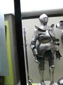 Armure Maximilenne Cannelée 1525 Bruxelles