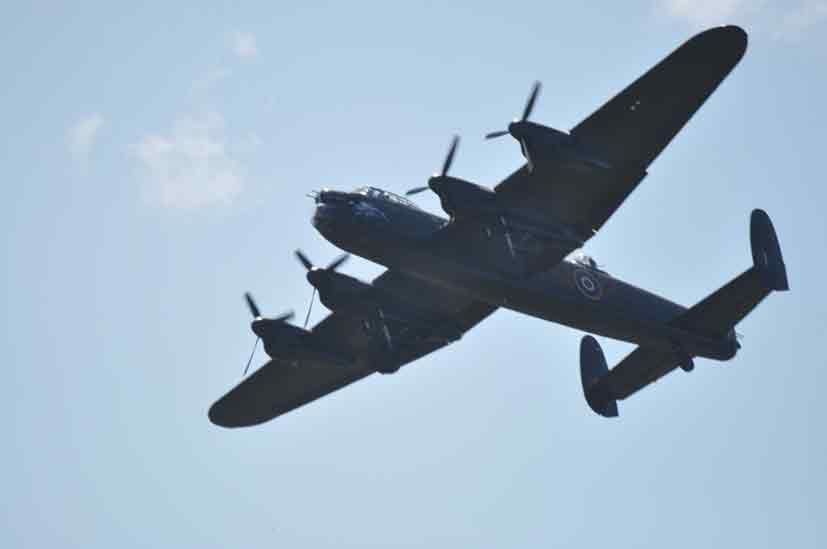 Avro Lancaster B1 BBMF Coxyde 2011