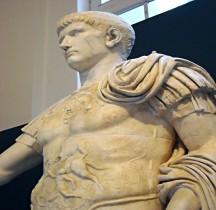 Statuaire Empereur Caligula ou Prince Julio Claudien Naples MAN