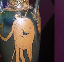 Grèce Attique Amphore avec Hoplite Bouclier au Scorpion  Mougins