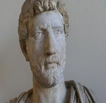 Statuaire 4 Empereurs 3 Hadrien Venise Procuratie Nuove