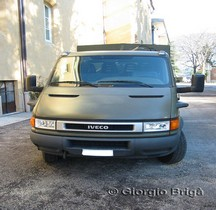 IVECO Turbo Daily plateau Grue CFS