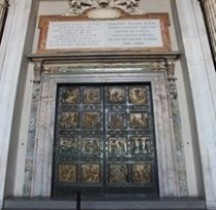 Vatican Basilica San Pietro Porte Sainte