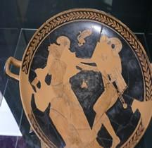 Etrurie Céramique Kylis Peintre de Penthesilée Rapt Helene Thesee Comacchio
