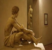 Statuaire Gladiatore Ludovisi in Riposo  Rome Palazzo Altemps